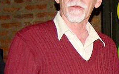 Se jubiló el ginecólogo Luis Pérez Seggiaro