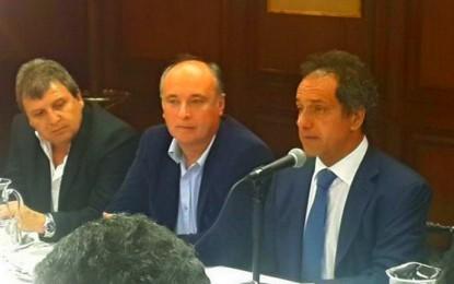 Scioli se reunió con 30 intendentes cordobeses