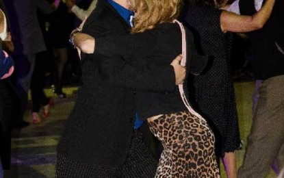 Cine de Gardel y clases de tango