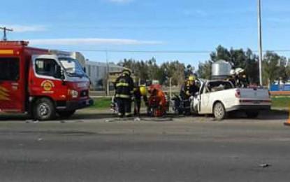 Cuatro heridos, uno grave, al chocar dos camionetas