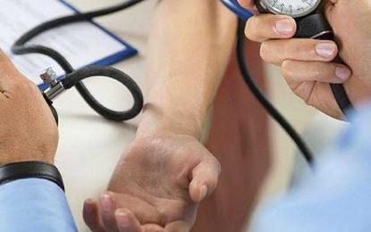 Estudio dice que la presión arterial máxima debería ser de 12