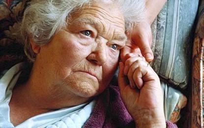 Las mujeres viven más que  los hombres pero envejecen peor