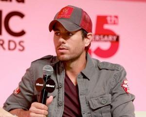 Furor por el show de Enrique Iglesias y demoras en iniciar ventas para Arjona