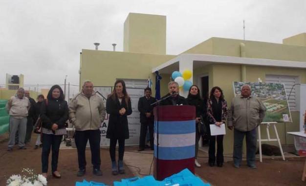 Cáritas entregó 30 viviendas sociales