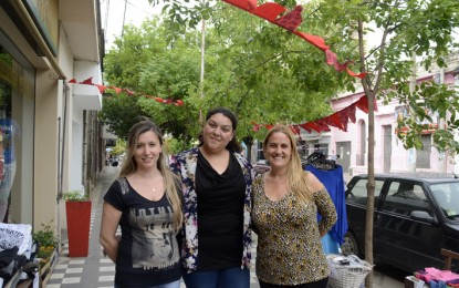 """Un """"centro comercial a cielo abierto"""" en calle Tucumán"""
