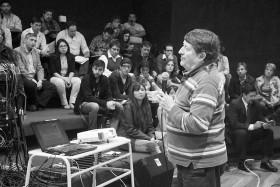 Un momento de la charla de Alburquerque en la UNVM