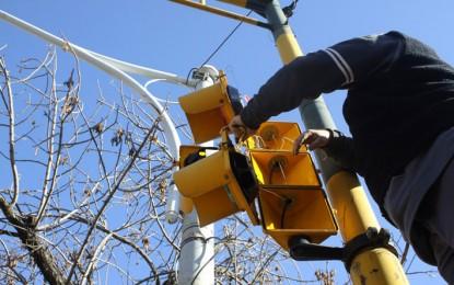 El semáforo ubicado frente al Jockey sólo funciona los fines de semana