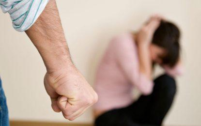 Cuatro individuos detenidos por amenazar y agredir a sus parejas