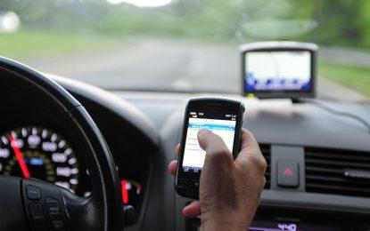 Manejar usando el celular aumenta nueve veces el riesgo de un accidente fatal