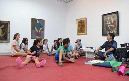 Primera piyamada con niños en el Museo
