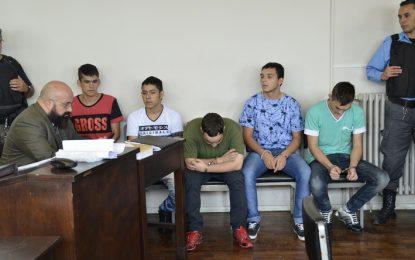 Penas de cinco años de prisión para los cinco integrantes de una banda