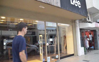 Otra persiana que se baja: en este caso, una tienda