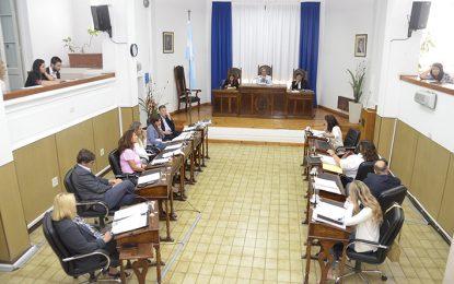 El intendente, jueces de Faltas y la auditora cobran más de 50 mil pesos