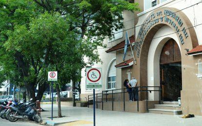 El gremio de docentes privados denunció despidos en dos colegios