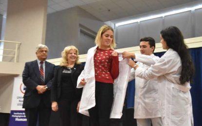 Otros sesenta jóvenes iniciaron la carrera de Medicina