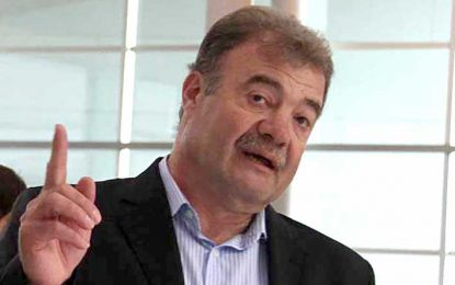 Pasteur: le renovaron la confianza a Luis Seggiaro