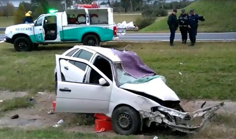 Esperaba el colectivo y murió atropellada por un auto — Tragedia