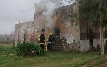 Se incendió una casa ocupada por tres menores que estaban solos