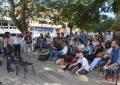 Con clases, docentes universitarios protestan fuera de las aulas