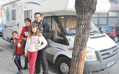 La familia española que dejó todo para ser ciudadanos del mundo