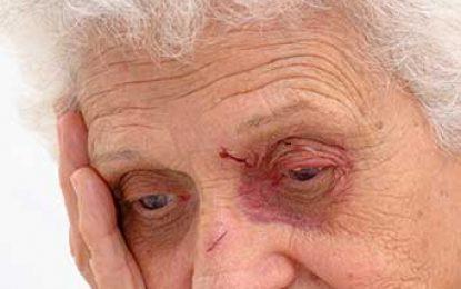 En el mundo, uno de cada seis ancianos es maltratado