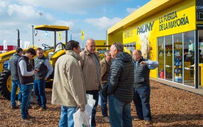 Chiocarello visitó las siete empresas varillenses que exponen en AgroActiva