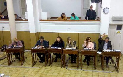 Navarro votó con la oposición, pero negó una interna dentro del PJ