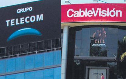 """""""Cercados por Clarín, Cablevisión y Telecom"""""""