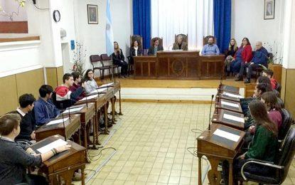 Política sin corbata: los jóvenes pidieron por más información