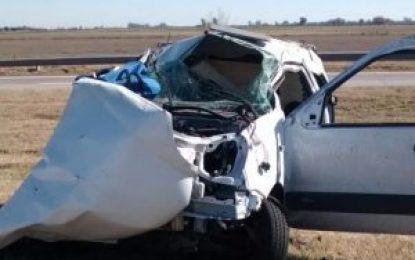 Madre e hija murieron calcinadas tras  chocar su camioneta contra un camión