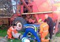 Un hombre fue aplastado por un árbol y la caída de una antena provocó cortes de energía