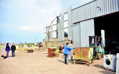 Reparan los galpones de la Cooperativa 7 de Febrero