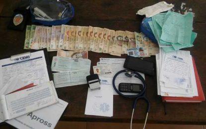 Policías locales detuvieron a otro falso médico