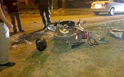 Una motociclista con doble fractura por una colisión