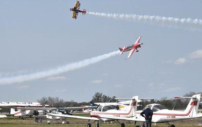 El espectáculo aéreo resultó grandioso y multitudinario