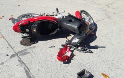 Dos motociclistas con graves y múltiples traumatismos