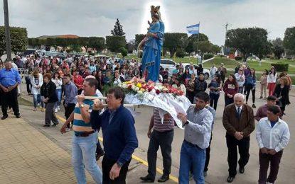 González convocó a una multitud