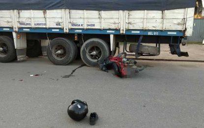 Camionero craikense murió en ruta 10 y un motociclista está muy grave en el Pasteur