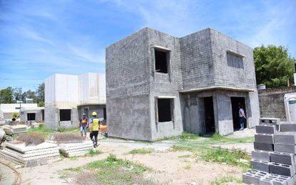 Tres de las seis viviendas Eva Perón ya tienen la planta alta