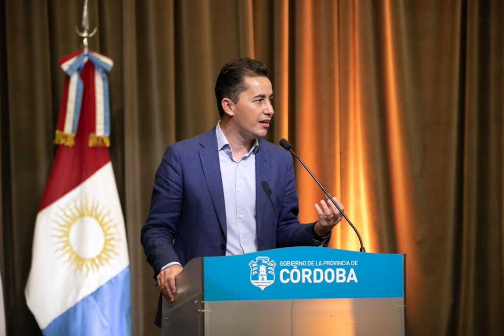 Manuel Calvo confirmó que habrá clases virtuales en Córdoba
